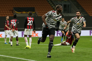 AC Milan melawan Manchester United