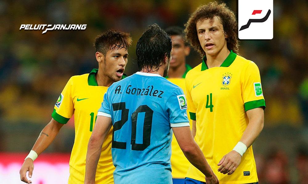 Brazil melawan Uruguay di 2013 (Kredit: Zimbio)