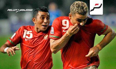 Firman Utina dan Cristian Gonzalez saat membela tim nasional Indonesia di AFF Cup 2010 (kredit: tirto.id)
