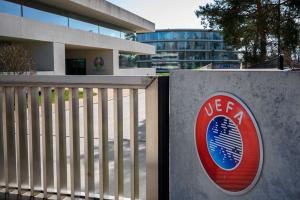 Liga Super Eropa: Kantor UEFA